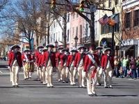 Парад в честь дня президента. Солдаты колониальной Америки
