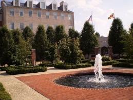 Риггс фонтан - подарок выпускников