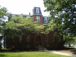 Старейшее здание - Морилл Холл