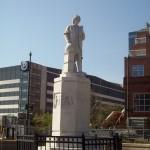 19. Памятник Колумбу