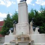 47. Памятник Джонсу Хопкинсу